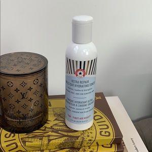 First Aid Beauty Ultra Repair Wild Oat Toner